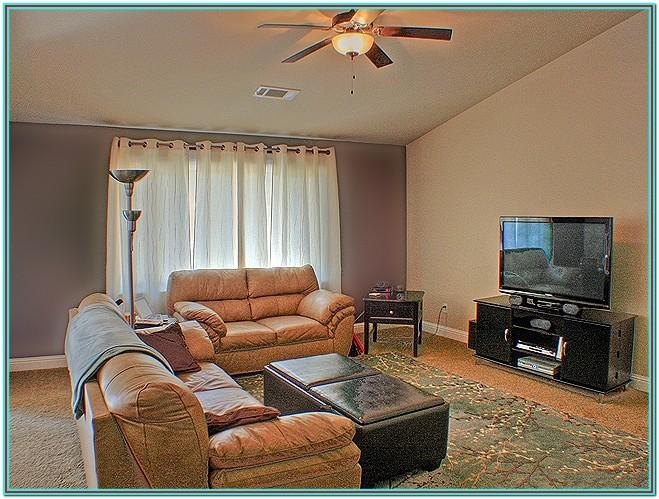 2 Tone Paint Colors For Living Room