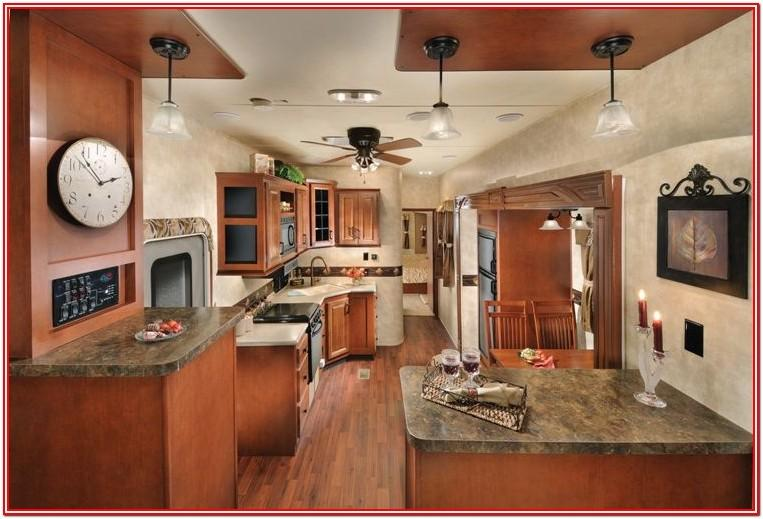 5th Wheel Rv With Front Living Room