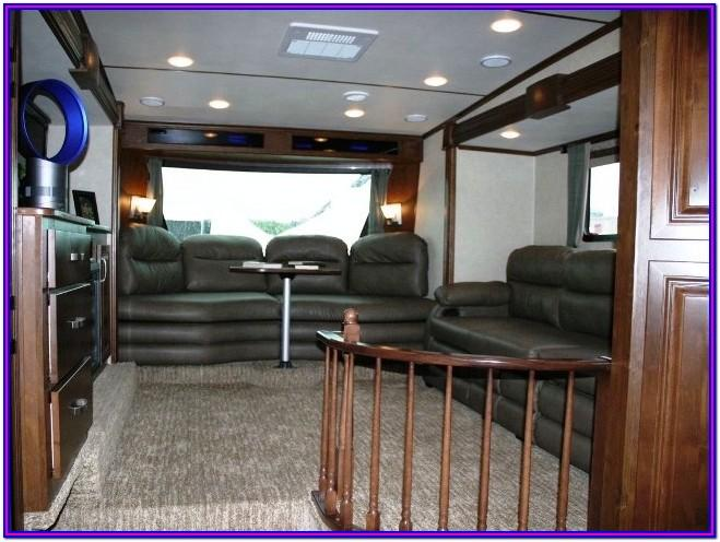 Fifth Wheel Campers Living Room Front