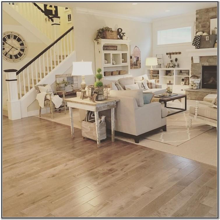 Living Room Farmhouse Interior Design