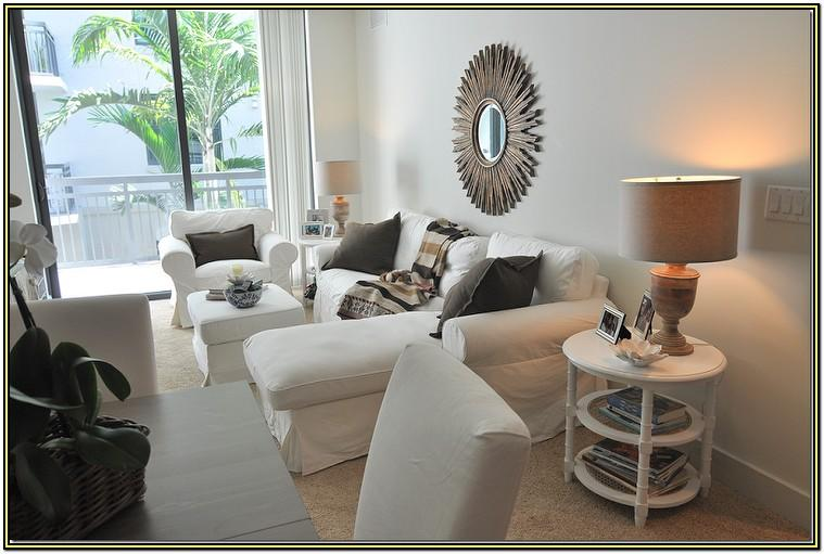 Living Room White Walls Beige Carpet