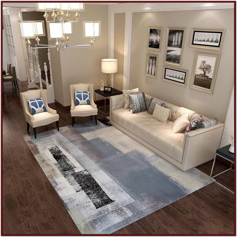 Modern Living Room Ottoman Decor