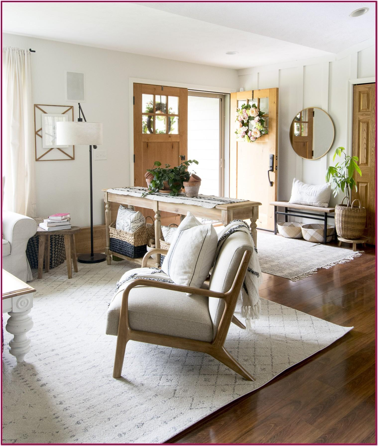 Simple Farmhouse Living Room Decor
