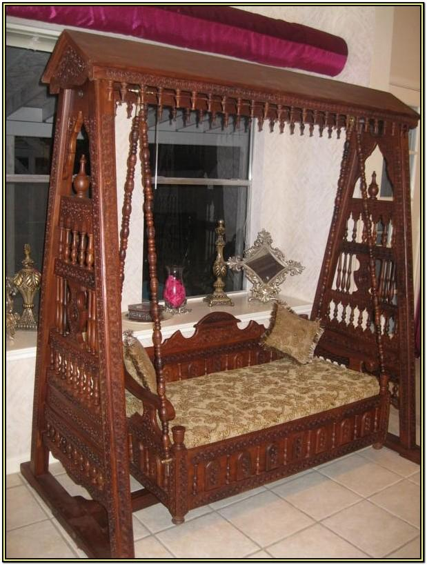 Traditional Wooden Jhula For Living Room