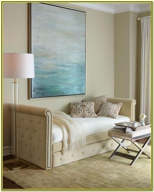 Extra Living Room Space Ideas