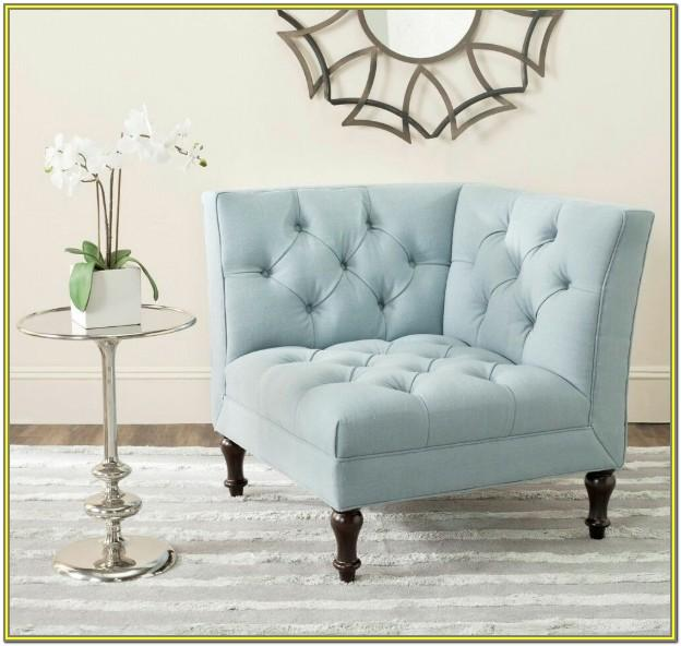 Living Room Decor With Accent Chairs