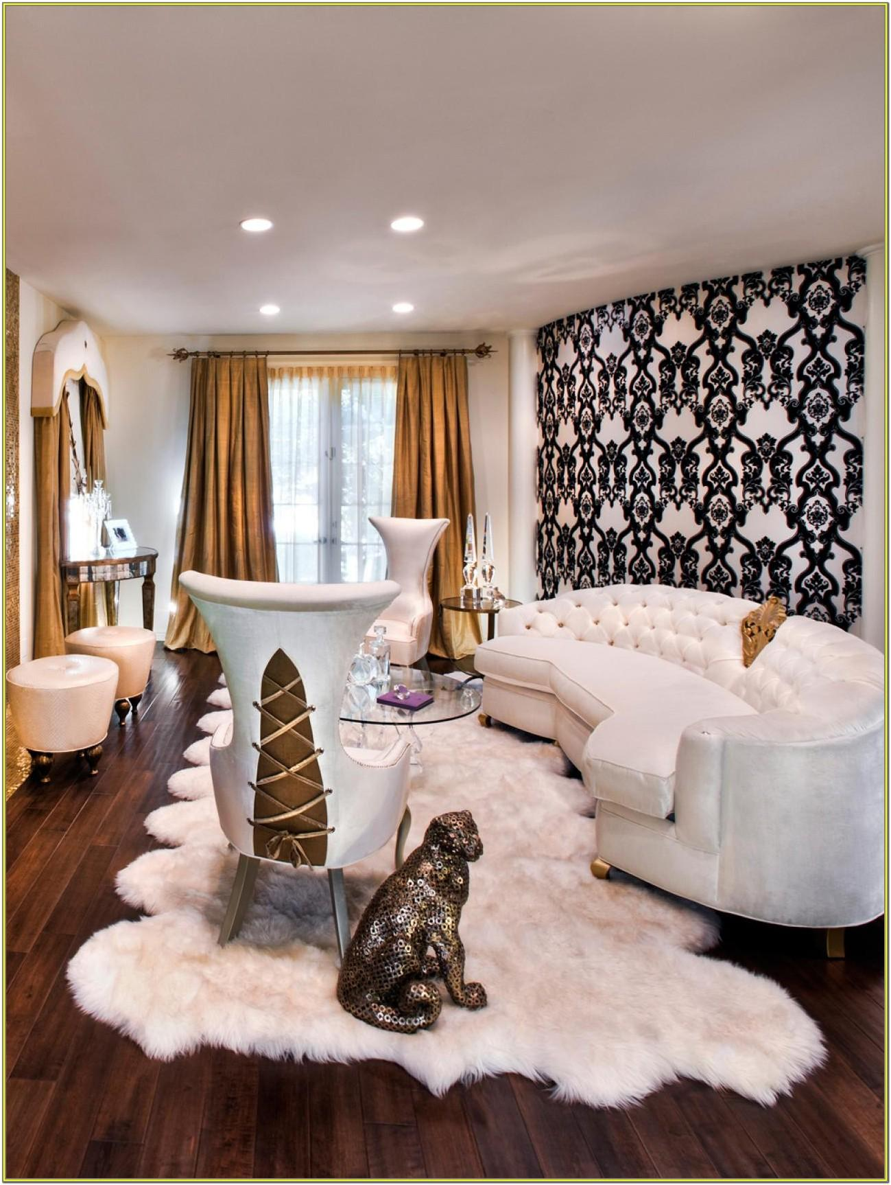 Living Room Gold Accent Decor