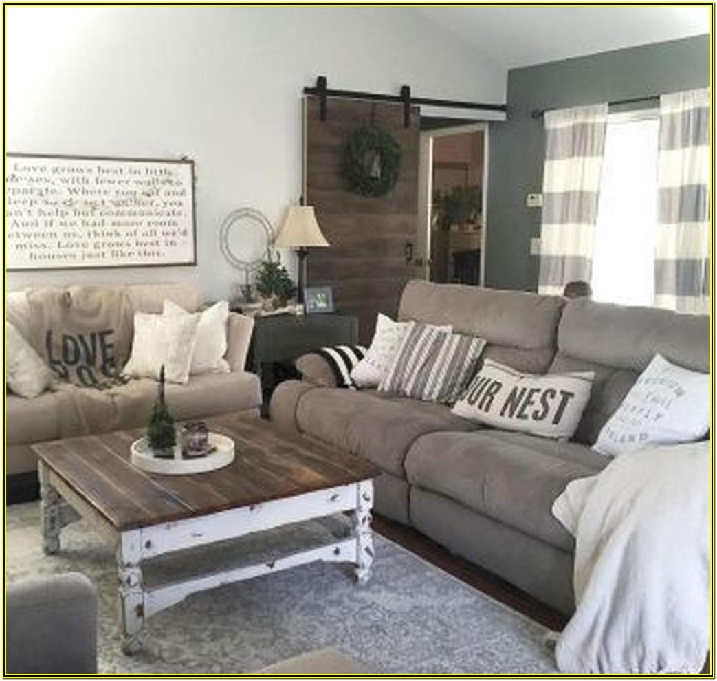 Rustic Farmhouse Living Room Design