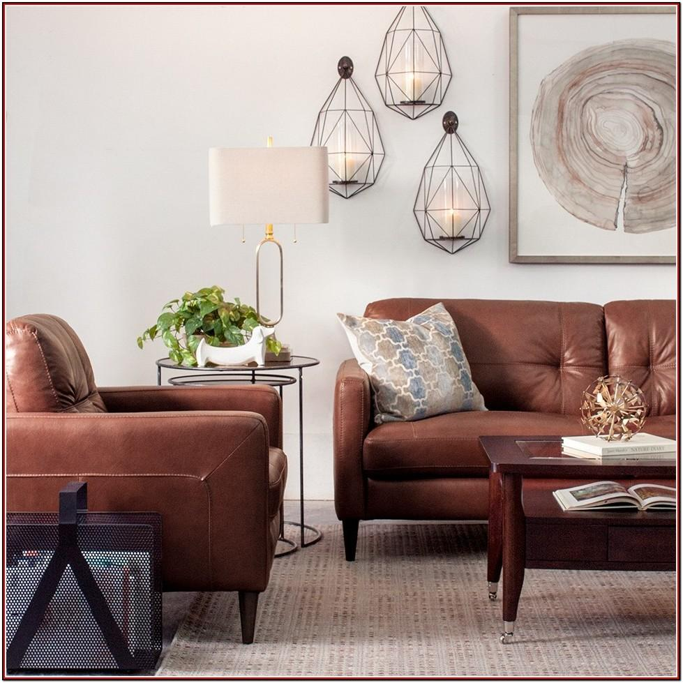White Leather Couch In Living Room