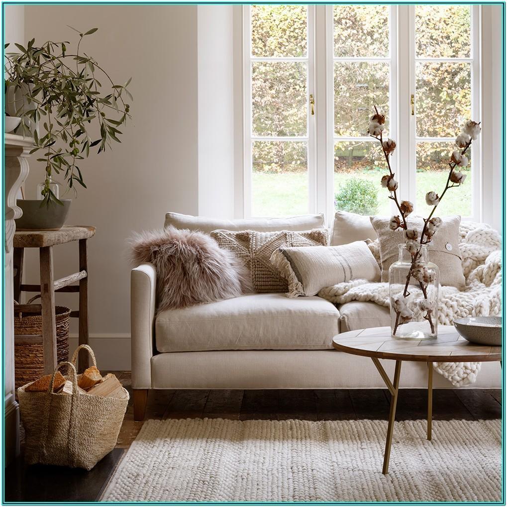 Living Room Christmas Decor Trends 2019