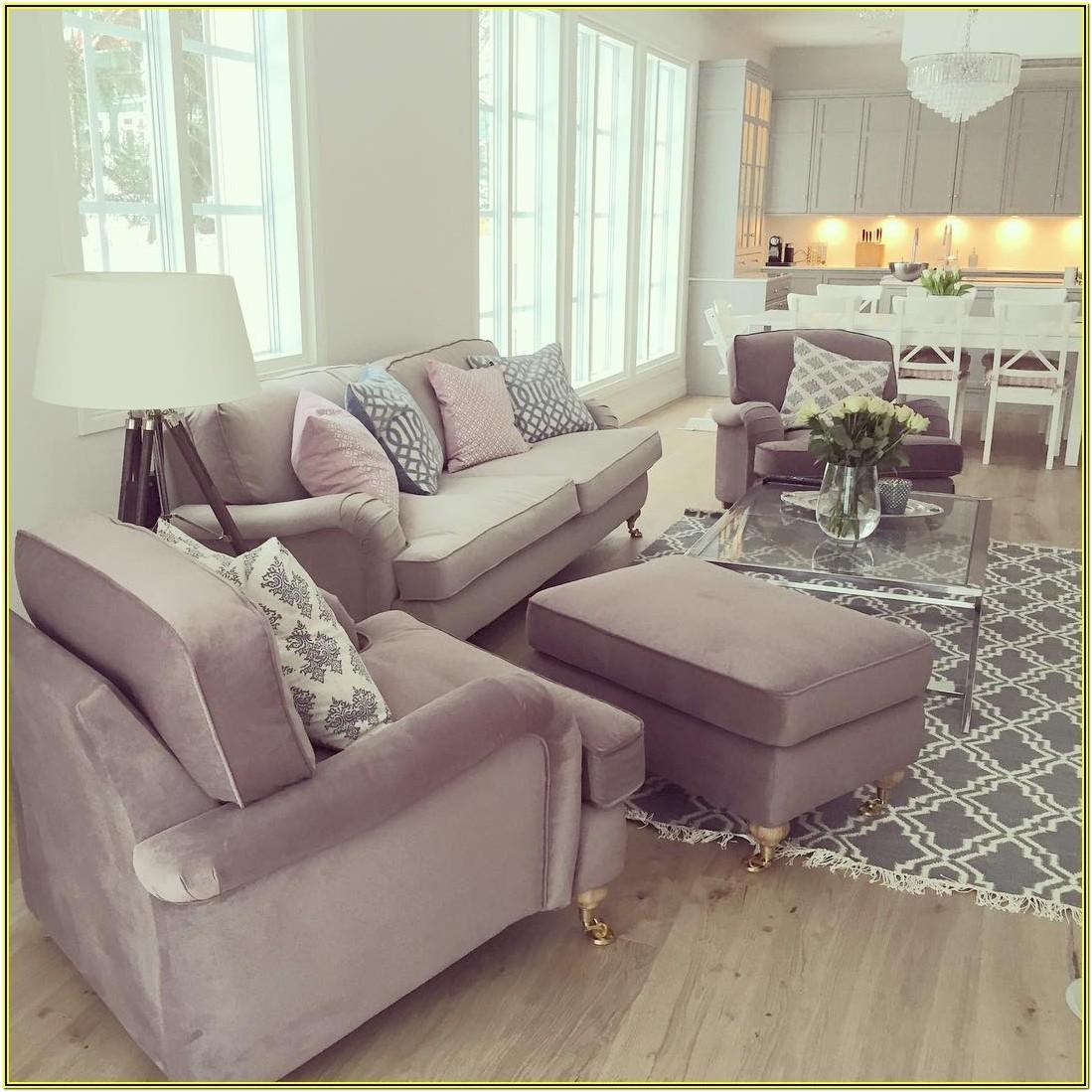 Long Skinny Living Room Deskign Ideas