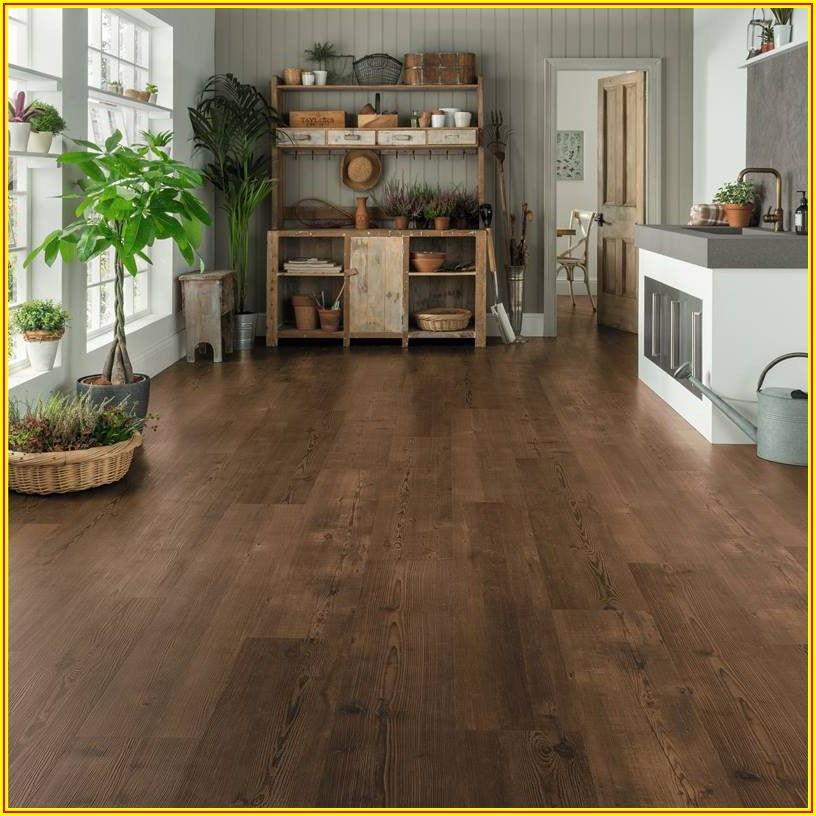 Heart Pine Vinyl Plank Flooring