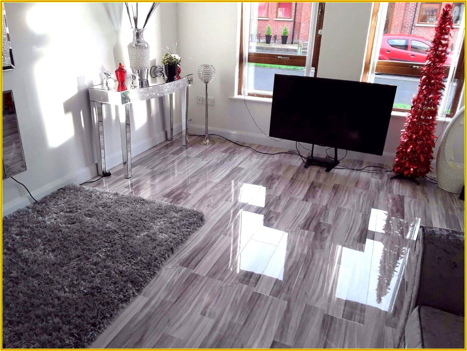 Light Oak High Gloss Laminate Flooring