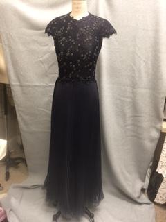 dress-on-form