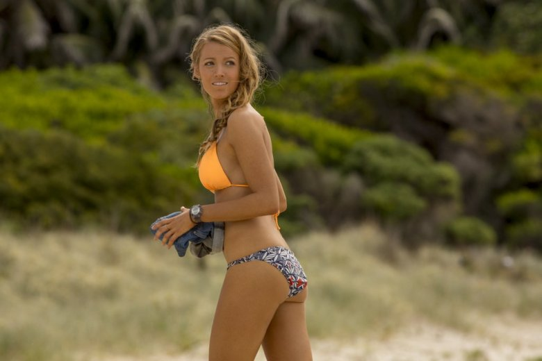 blake-lively-shallows-movie-photos