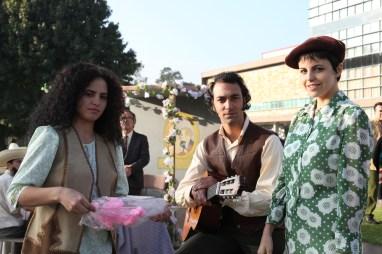 Alejandra Ambrosi y sus compañeros de escena.