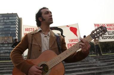 Los acordes de la guitarra de Axel Ricco se hicieron presentes.