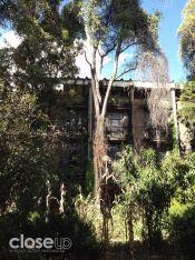 Patio central del abandonado hotel Posada del Sol (Foto: Close Up)
