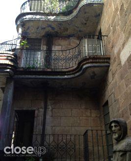 San francisco de Asís custodia parte del edificio (Foto: Close Up)