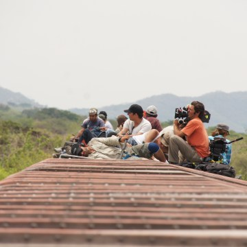 La jaula de oro regresa a los migrantes