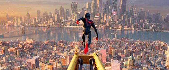 SpiderVerse_pmm014.1014_lm_v1-1024x429 Crítica | Homem Aranha: No Aranhaverso