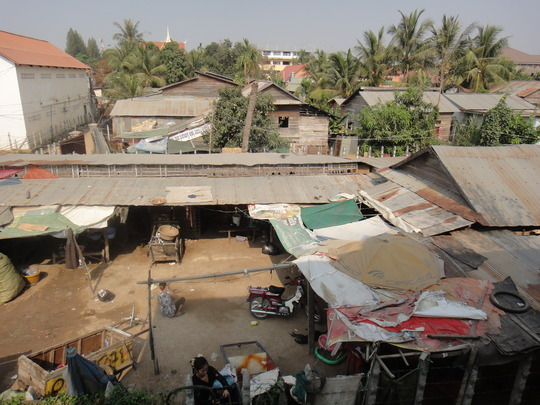 Village Senhoa Lotus Kids Club works with