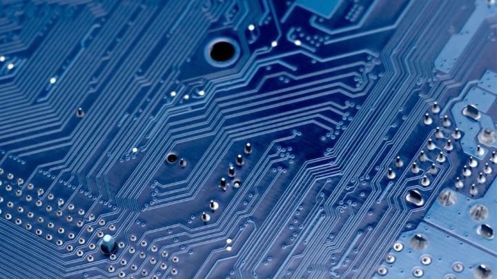 What Are the Advantages of Using A Printed Circuit Board?