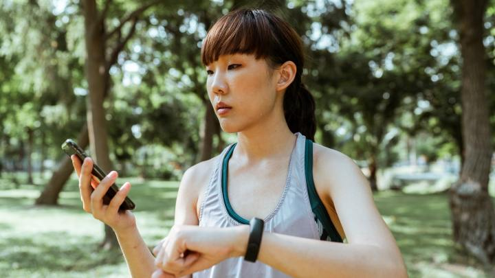We Need to Prioritize Adding Advanced Security of Wearable Devices