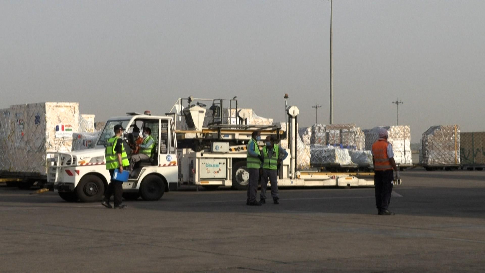 VIDÉO. La France envoie des générateurs d'oxygène en Inde, en situation sanitaire critique