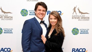 Bindi Irwin, Chandler Powell welcome daughter – KIRO 7 News Seattle