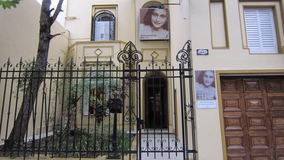 Tras la polémica, el Centro Ana Frank y Marcelo Tinelli acordaron una visita al museo para tener una clase de historia   Da La Nota
