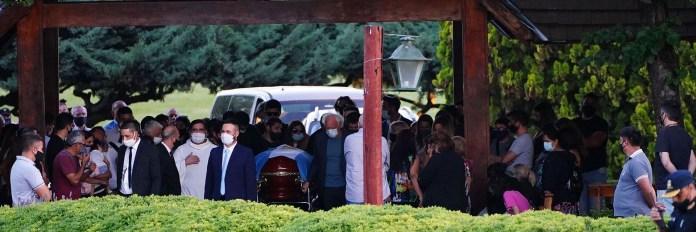 Maradona's burial in the Jardin Bella Vista cemetery (Franco Fafasuli)