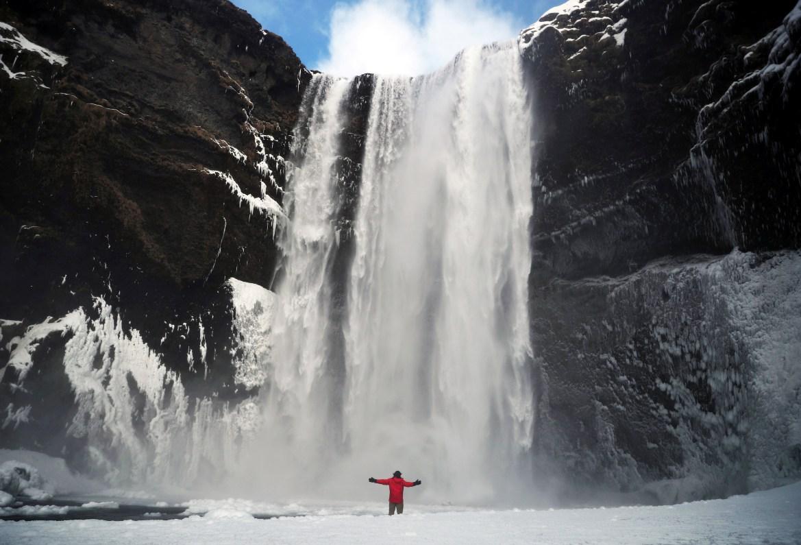 La cascada de Skogafoss en Skogar (Reuters)