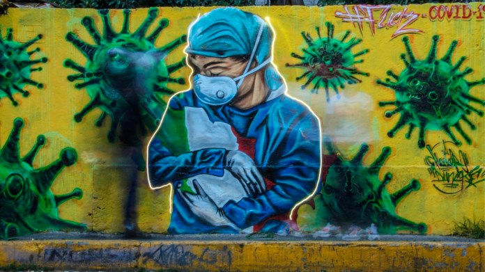 Urban artists of the city, make murals in support of medical personnel (Photo: Cuartoscuro)