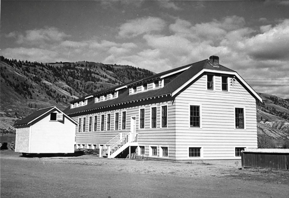 Un nuevo edificio de aulas en la Escuela Residencial India de Kamloops se ve en Kamloops, Columbia Británica, Canadá alrededor de 1950. Biblioteca y Archivos de Canadá / Folleto a través de REUTERS