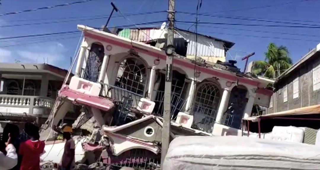 Hundreds killed in magnitude 7.2 quake in Haiti | Reuters