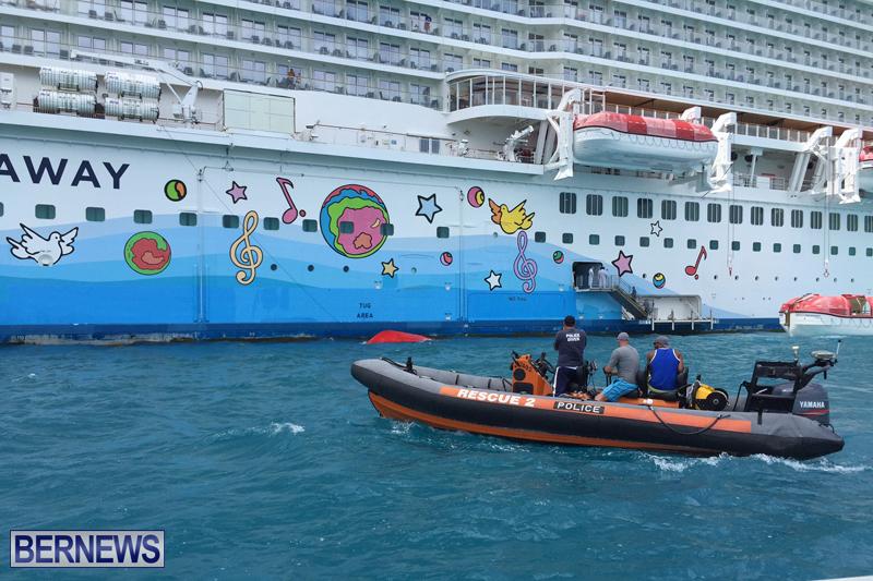 Capsized boat Bermuda July 20 2016 (2)