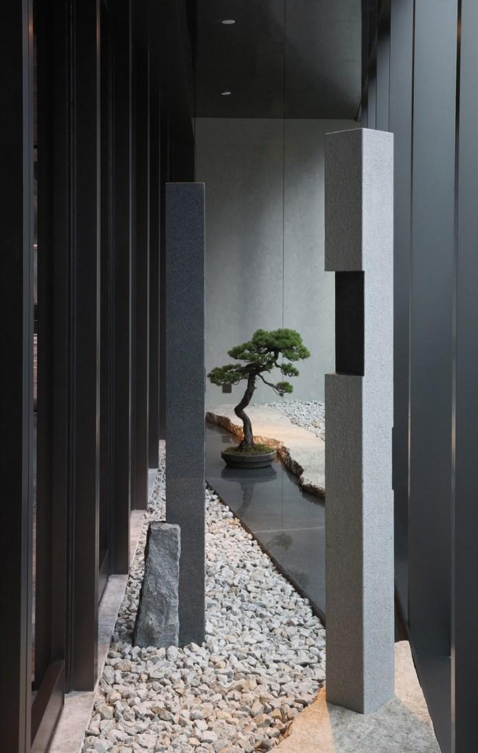 "Press kit   3531-02 - Press release   Joya Hotel Hangzhou - Vermilion Zhou - Commercial Interior Design - Entrance Landscape - Photo credit: <p class="""">JULY COOPERATIVE COMPANY</p><span></span>"