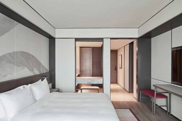 Press kit   3531-02 - Press release   Joya Hotel Hangzhou - Vermilion Zhou - Commercial Interior Design - Standard Guest Room - Photo credit: Yunpu Cai