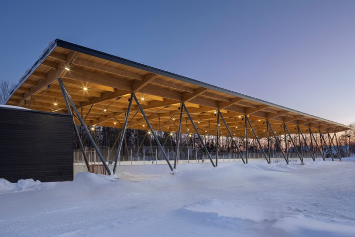 Press kit | 3253-01 - Press release | Parc des Saphirs skating rink - ABCP architecture - Institutional Architecture - Photo credit: Crédit photo : Stéphane Groleau