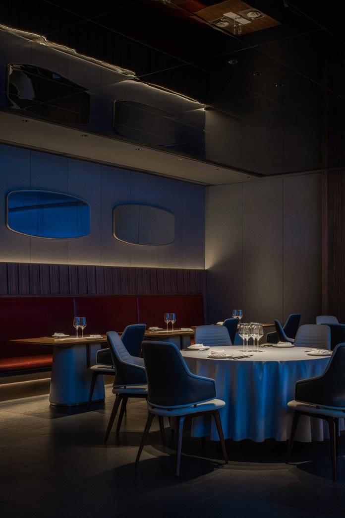 Press kit | 5588-02 - Press release | XU JI Seafood Restaurant (Land Kylin) - Daxiang Design Studio - Commercial Interior Design - Frame-like mirror surface - Photo credit: ©️Chuan He