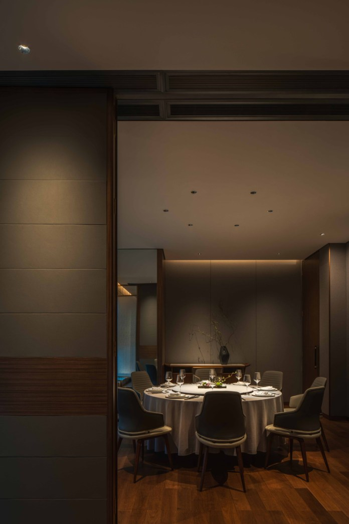 Press kit | 5588-02 - Press release | XU JI Seafood Restaurant (Land Kylin) - Daxiang Design Studio - Commercial Interior Design - Detail of dining room - Photo credit: ©️Chuan He