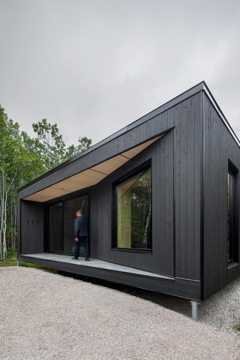 Dossier de prensa |  1527-13 - Comunicado de prensa |  Forest Glamp - Bourgeois / Lechasseur architects - Arquitectura residencial - Crédito de la foto: Adrien Williams
