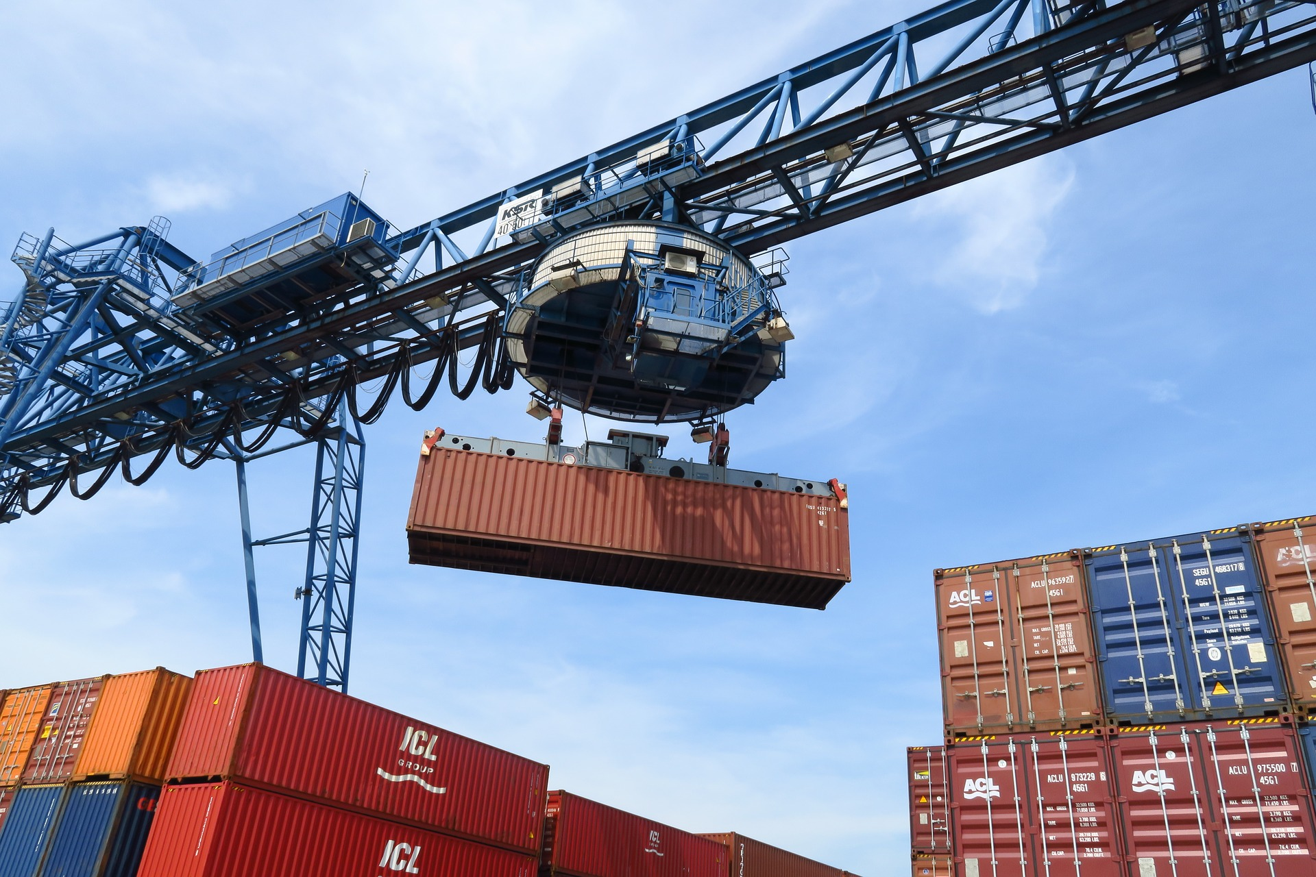 Containerizing Heavy Workloads to Cloud