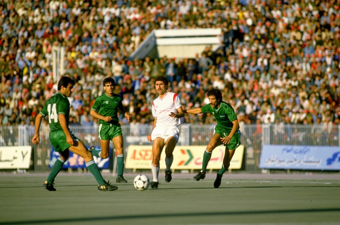 Nov 1985:  Nizar Mahrous of Syria takes on the Iraq defence during the World Cup qualifying match against Iraq played in Damascus, Syria. The match ended in a 0-0 draw.  Mandatory Credit: Allsport UK /Allsport