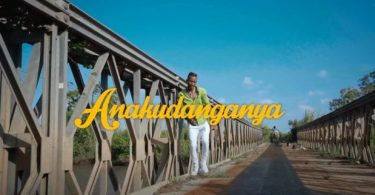 VIDEO: Smile The Genius – Anakudanganya Mp4 Download