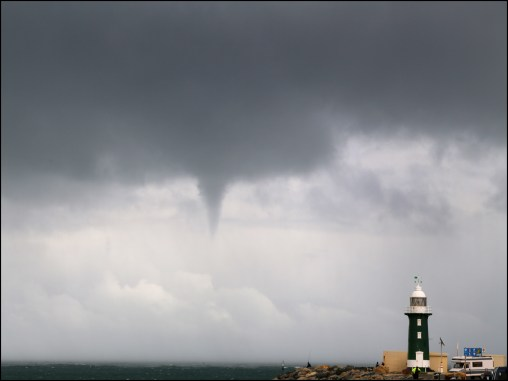 Waterspout_4 small