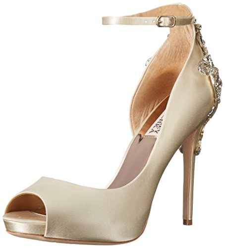 Badgley Mischka Women's Karson Pump, Ivory