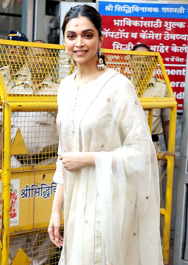 Deepika Padukone arrives at Siddhivinayak temple 16f9949aaa2 original ratio