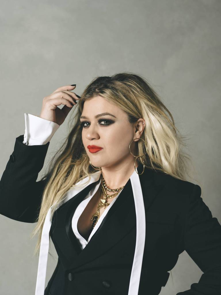Kelly Clarkson Press Photo 1 2
